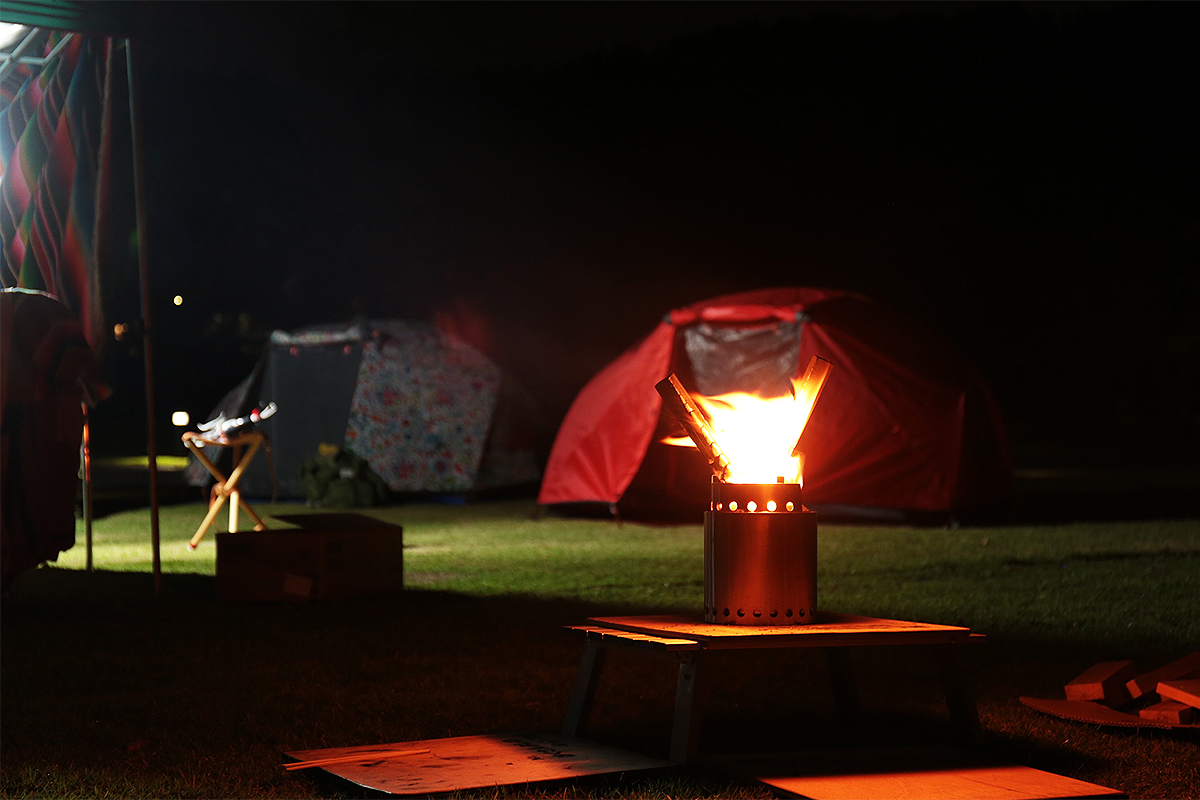 CAMPFIRE with POLeR OUTDOOR STUFF TWO MAN TENT ORANGE & RAINBRO