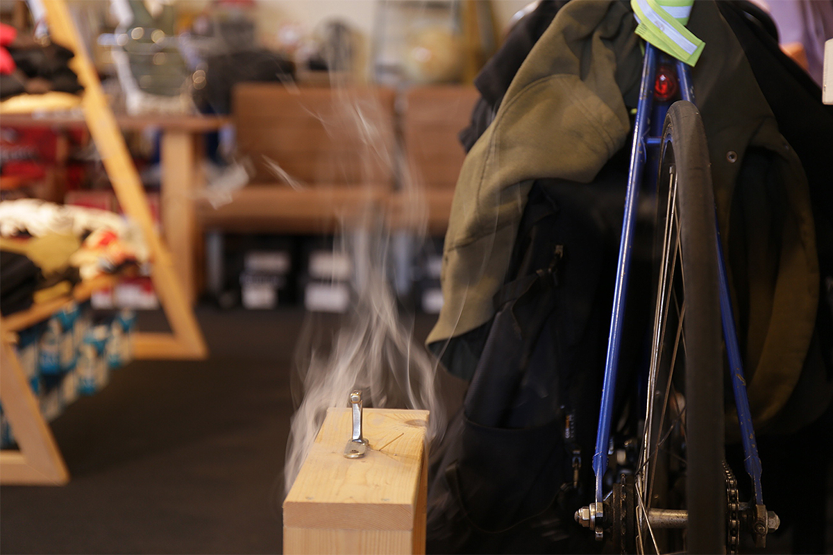 wax clothing Blog /  The smoke of incense
