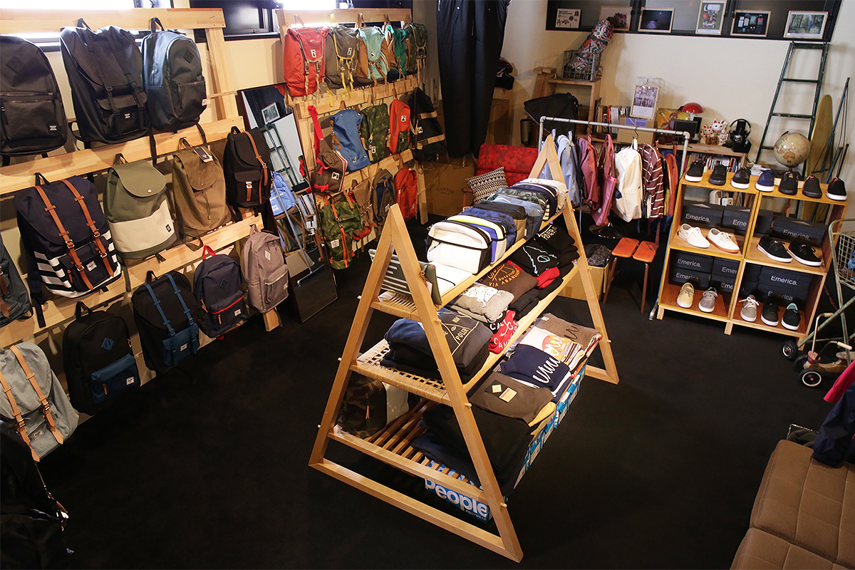 Diary vol. 28 wax clothing display