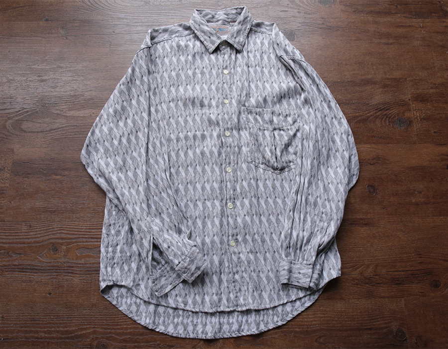 USED GEOMETRIC PATTERN SHIRT