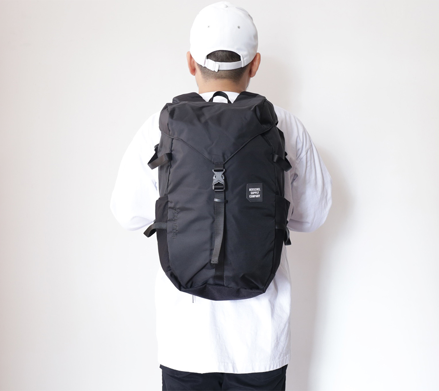 Herschel Supply FALL 2016 TRAIL COLLECTION BARLOW LARGE BACKPACK color : Black