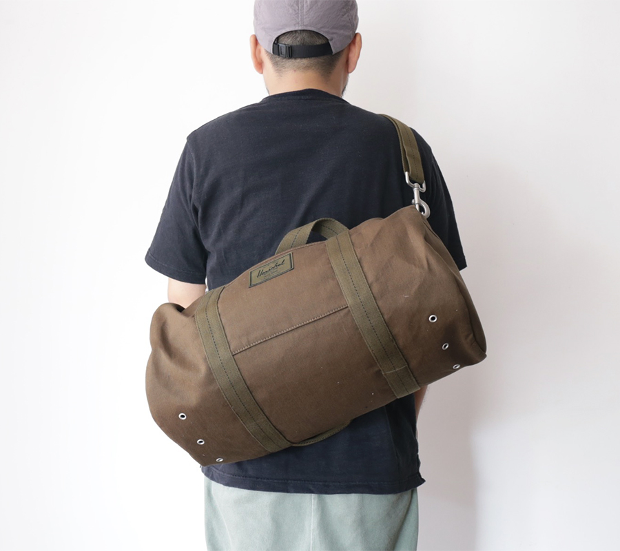 Herschel Supply FALL 2016 SURPLUS COLLECTION SUTTON MID-VOLUME DUFFLE color : Army